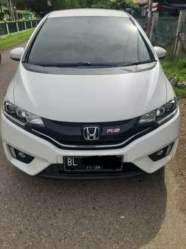 Honda jazz rs automatic tahun 2015,warna putih mutiara