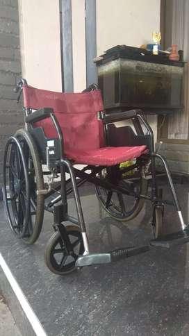 Kursi roda kapasitas 100 kg