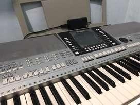 Keyboard Yamaha PSR-S910 (Alat Musik)