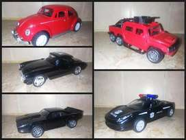 1:32 diecast Metal model cars (see pictures)