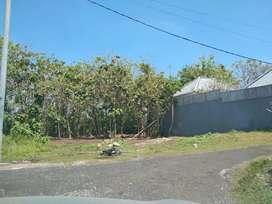 Dijual Tanah murah di lingkungan Vila.