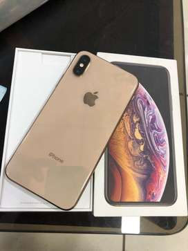 iPhone Xs - 64 - Gold - 2.5 month apple warranty - full kit -like new