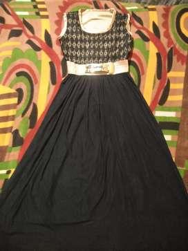 Black color gaown