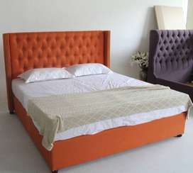 King Size Tufted Bed By Furniture Town.
