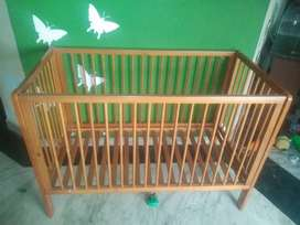 Baby cot (cribe)