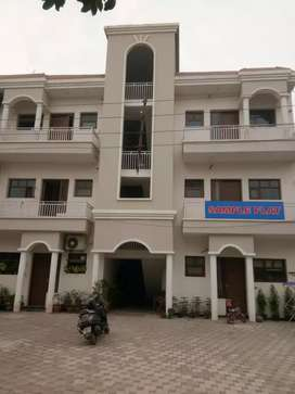 Spacious 3bhk Flat in Zirakpur Near Vip Road
