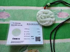 Liontin jadeite jade