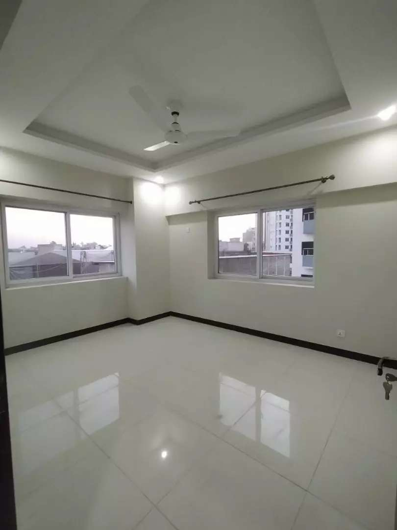 E 11 CAPITAL Residencia 2bed with driving available for rent