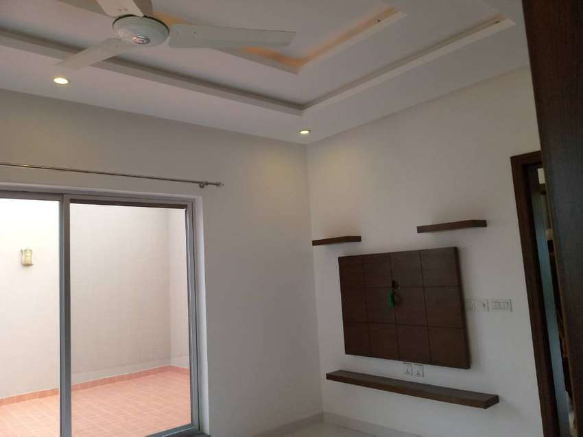 One Brand New Kanal Uper Portion With  Separate Gate For Rent In DHA 0