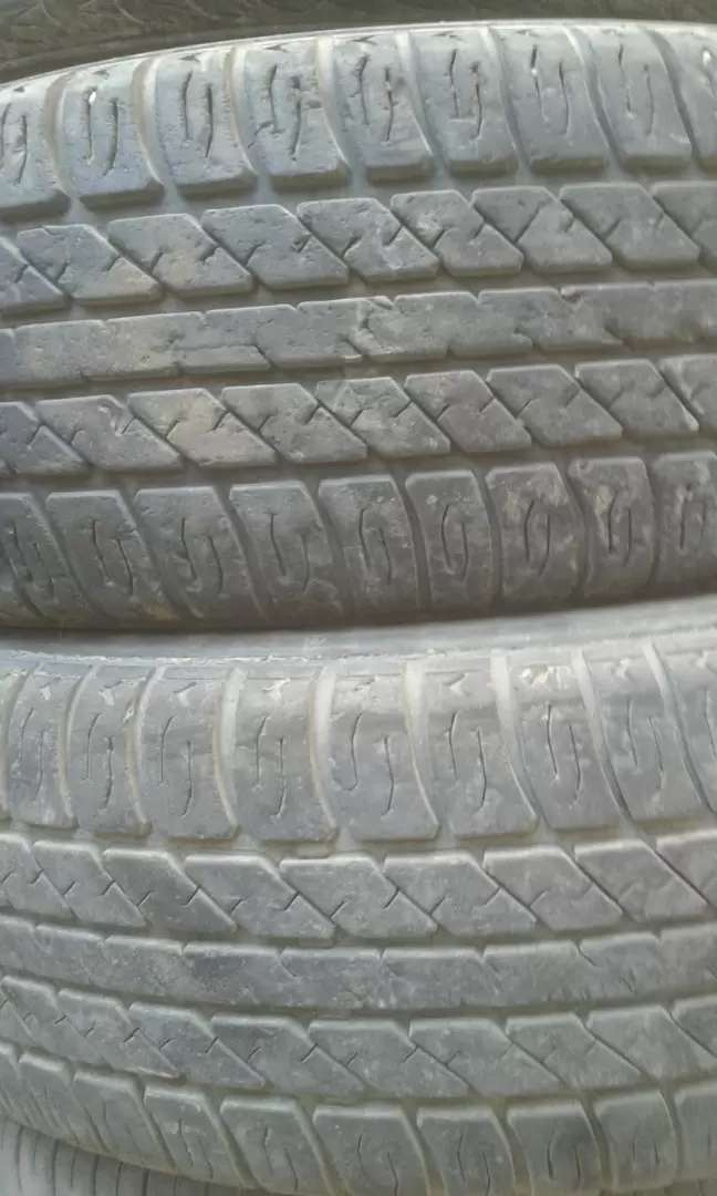 2 tyres bht achi condition like new 165/70/13  pair Rs.4500 0