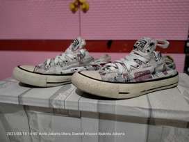 Sepatu Converse all star low London original