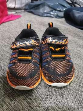 Sepatu original champion anak size 5