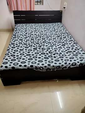 Queen Bed 6.5*5 without mattress