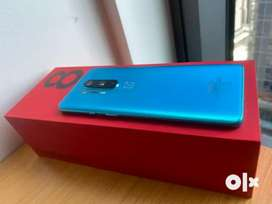 Oneplus 8 pro 2 months old 8/128gb glacial green.. mint condition*