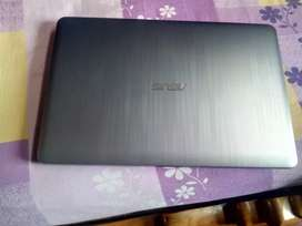 ASUS LOPTOP good condition laptop cd Rider oll ok laptop and tip tap.