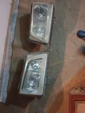 Benz 124 headlights made in Taiwan both complete.