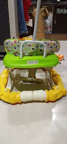 Baby walker with roof