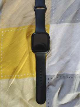 Apple watch 5 series 44mm used by A female doctor
