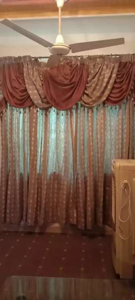 Curtain in good condition