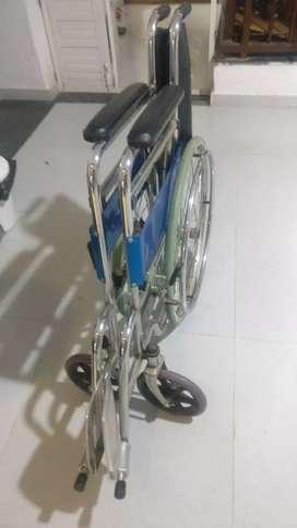 Hospital wheel chair 3500 Rs