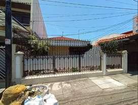 Rumah di Ngagel Jaya Utara, Strategis awEF