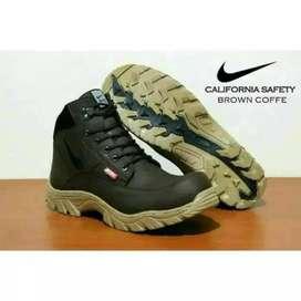 Sepatu Gunung Pria Nike Tracking California Safety Boots