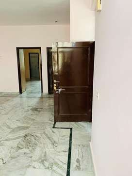 Spacious 2 BHK Flat,1st Flr,open kitchen,store room,big drawing hall.