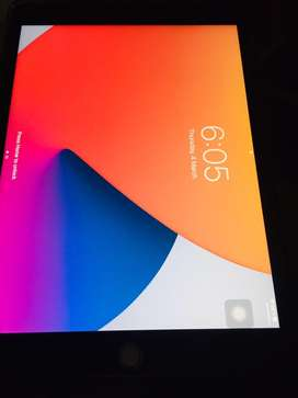 Ipad 7 genration for saLe condition 10/10 still in 5 months warranty