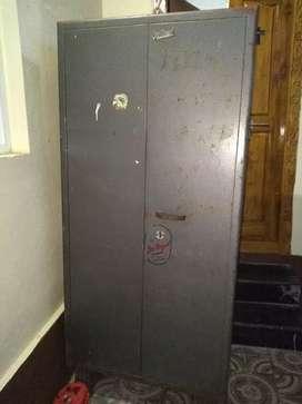 Good condition steel almarah...