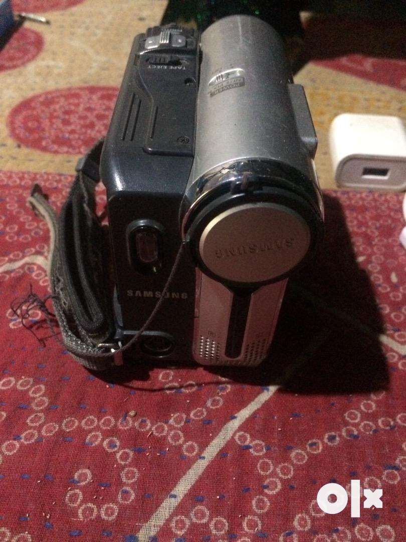 Samsung cammera almost new condition in low price 0