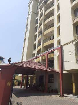 3 bhk semi furnished apartment for rent in Kaloor Pottakuzhi