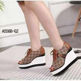 Sepatu Wedges Wanita Anora SDW323