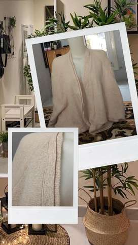 Cardigan knitt warna putih