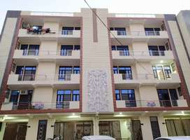 & 3BHK FLAT JUST 48 Lakh in Hans Enclave Sector 33, Gurgaon