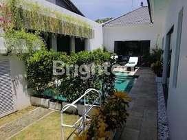Villa Full furnish Cantik Dan murah di Dekat Pantai sanur