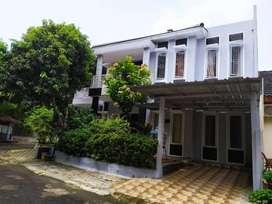 Rumah dekat fasum di Taman Crysant Kencana loka BSD