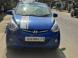 Hyundai eon sportz Blue colour with alloy wheels