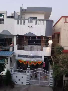 Singal room available with attach toilet and wash besin f