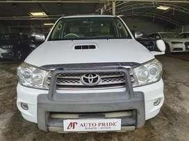 Toyota Fortuner 3.0 4x4 MT, 2011, Diesel