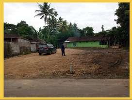 Pekarangan Area Pemukiman Padat Dekat Pasar Godean