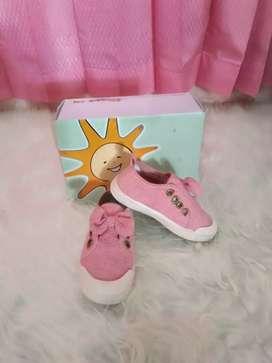 Sepatu anak Merck Little M, second nomer 24