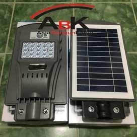 LAMPU IWATA SOLAR STREET PANEL 20 WATT