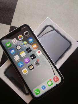 Iphone XR 64 GB Putih Noken.