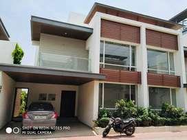 Posh luxury Villa in Karapakkam