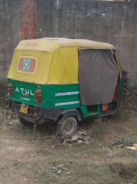 Atul cng auto for 5 seater
