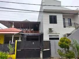 Dijual cepat rumah mewah di Cipondoh Tangerang