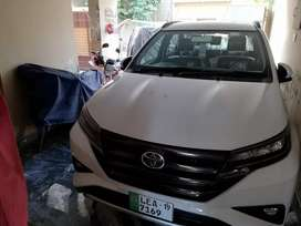 S Grade Automatic Full Option SUV just like brand new for urgent sale