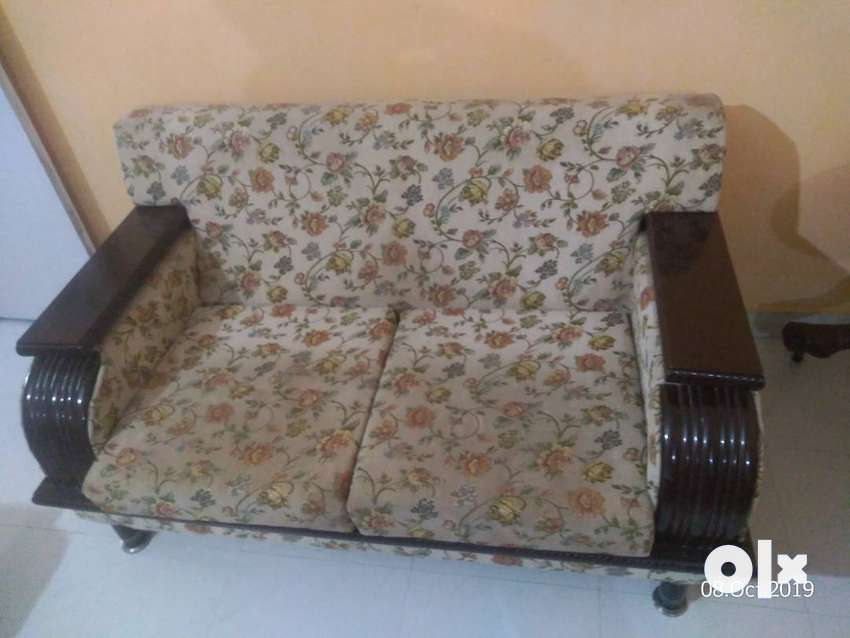 Drawing Room Sofa Set (2+2+2) ,  Couch & CenterTable 0