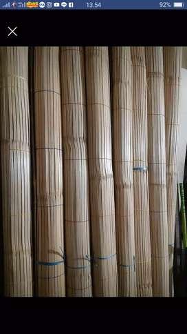 Tirai bambu dan isi bambu