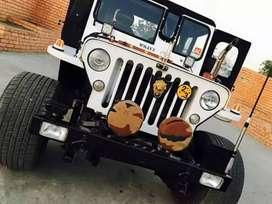 Hunter jeep white open